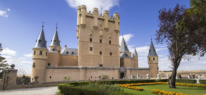 Learn about the Spanish language, Alcázar of Segovia