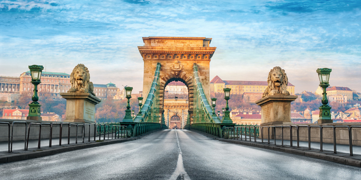 Szechenyi Chain Bridge in Budapest, Hungary travel guide