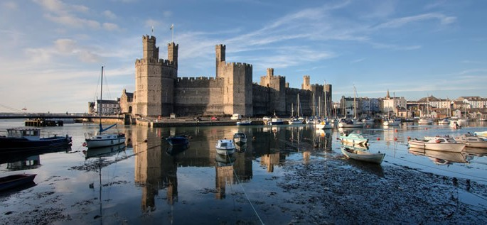Welsh language, Caernarfon Castle